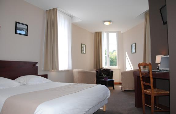 """chambre supèrieure suite hôtel """"la potinière"""" Bagnoles de l'orne Normandie"""